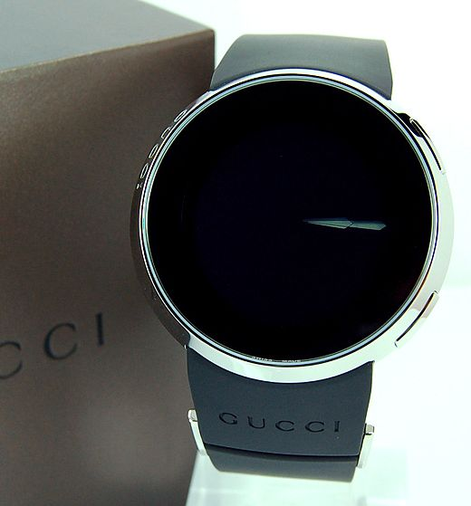Gucci_mens_digital_watch_dial